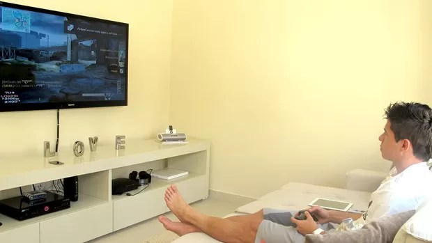 Osvaldo vídeo game (Foto: Marcelo Prado / Globoesporte.com)