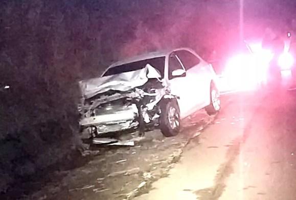 Mãe e filho morrem após colisão traseira entre carros na rodovia Castello Branco — Foto: Polícia Rodoviária/Divulgação