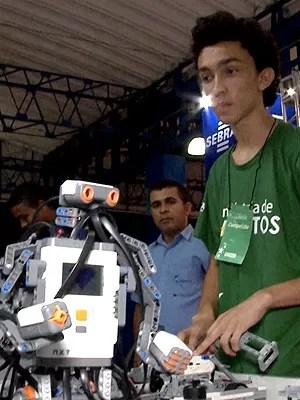 Estudantes participam de competições de robótica (Foto: Reprodução / TV Mirante)