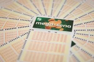 Mega-Sena pode pagar R $ 2,5 milhões nesta quinta-feira    Loteria