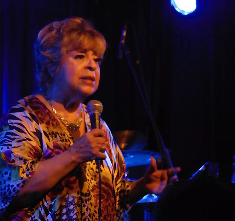 A cantora Leny Andrade em show no Blue Note Rio (Foto: Mauro Ferreira)