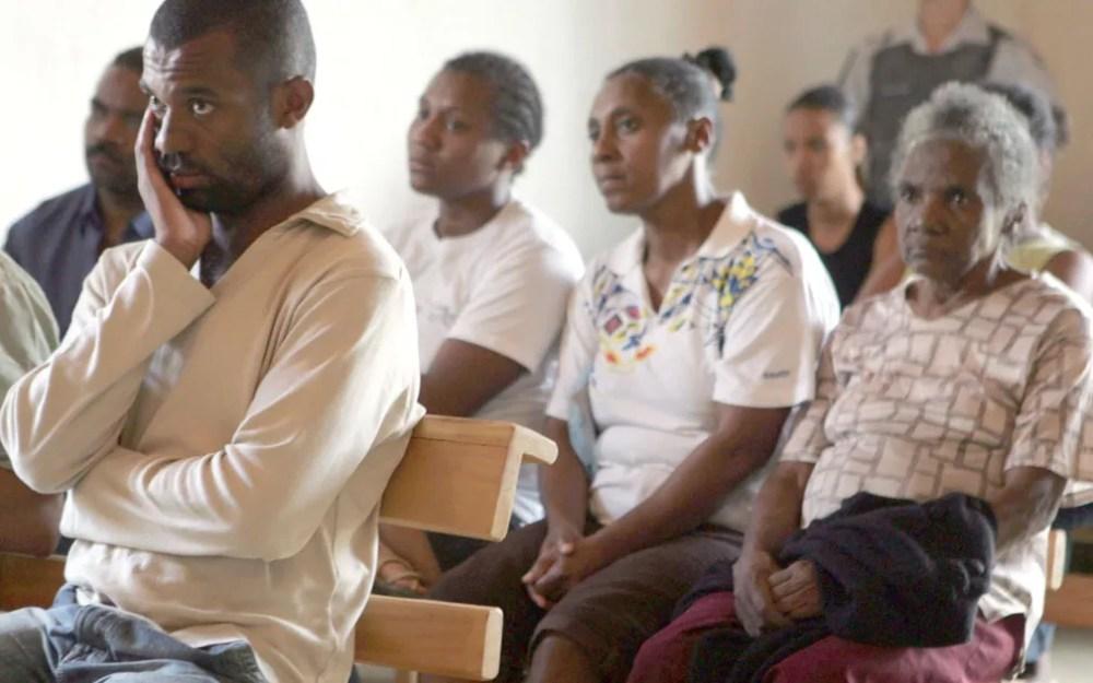 Foto tirada em 9 de junho de 2008 mostra quilombolas da comunidade Poça, em Eldorado, na ocasião de seu reconhecimento — Foto: Filipe Araújo/Agência Estado