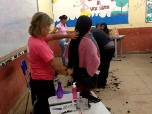 Corte de cabelo foi um dos serviços ofertados na ação (Foto: Jéssica Alves/ G1)