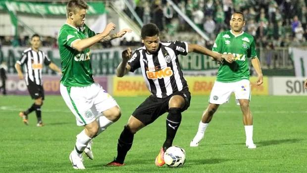 André Atlético-mg e Chapecoense (Foto: Jardel da Costa / Futura Press)