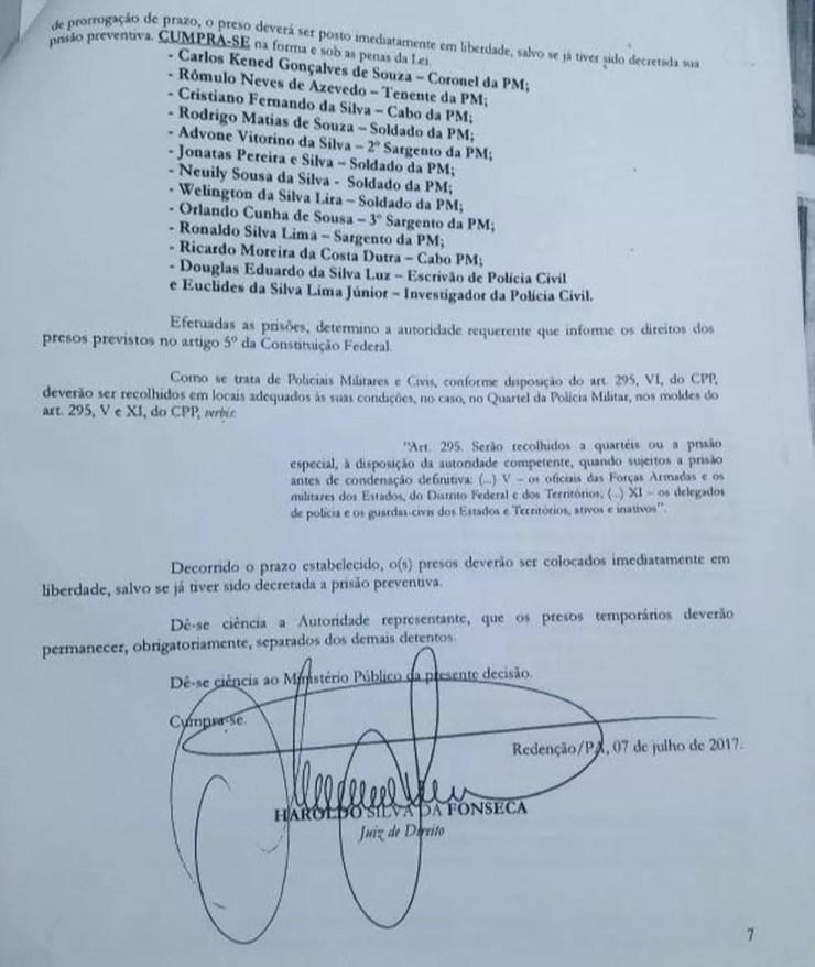 Mandado de prisão contra policiais que participaram da operação que resultou na morte de dez trabalhadores rurais non PA (Foto: Reprodução/ TV Liberal)