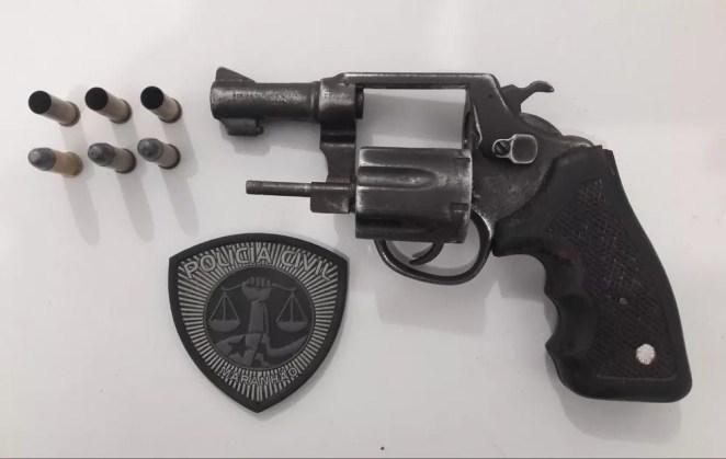 Armas de fogo eram apreendidas durante operação e não eram apresentadas na delegacia em Viana. — Foto: Divulgação/Polícia Civil