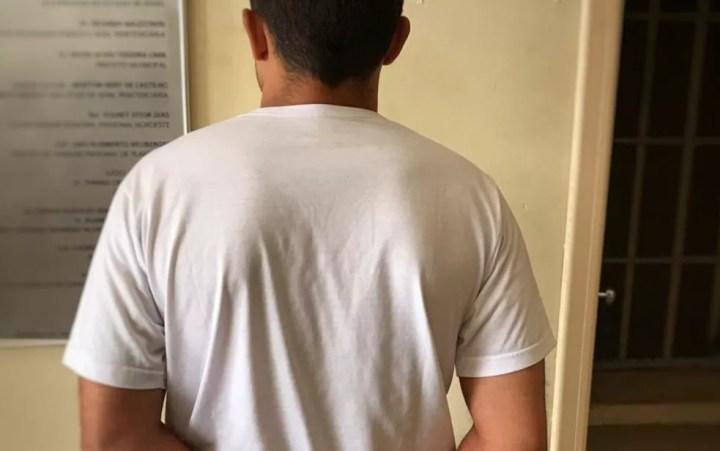 Jovem é preso suspeito de aplicar golpe em namoradas, em Formosa — Foto: Polícia Civil/Divulgação