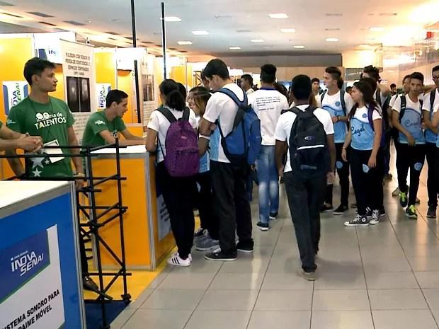 Estudantes podem conhecer profissões em alta na feira (Foto: Reprodução / TV Mirante)