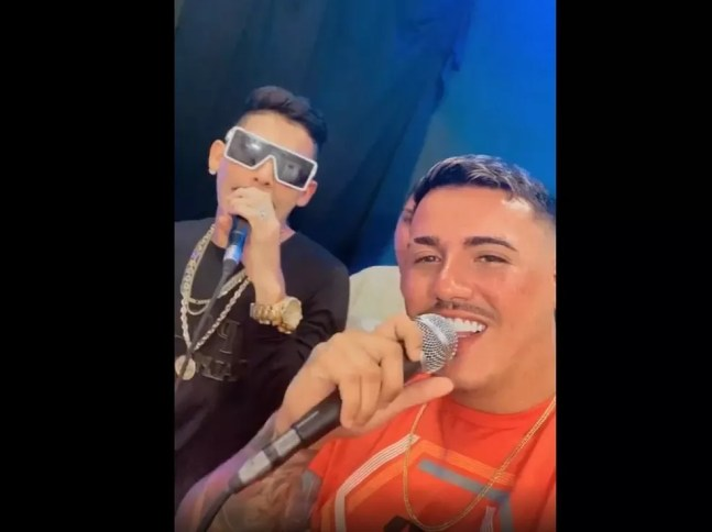 À direita, influencer Illguinner Menezes com o cantor de forró Romário de Jesus, à esquerda.  — Foto: Reprodução