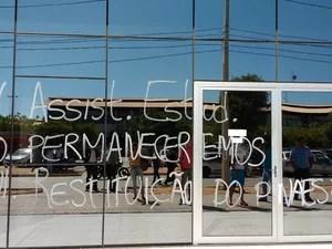 Alunos protestam em prol da assistência estudantil (Foto: Divulgação/ Ascom paralisação estudantil)