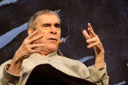 O escritor Sérgio Sant'Anna durante sua participação na Flip 2018 — Foto: Walter Craveiro/Divulgação