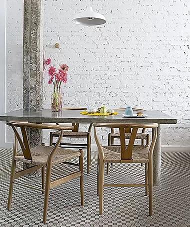 Coluna e mesa unidas no projeto de Marcel Steiner (Foto: Lufe Gomes/ Editora Globo)