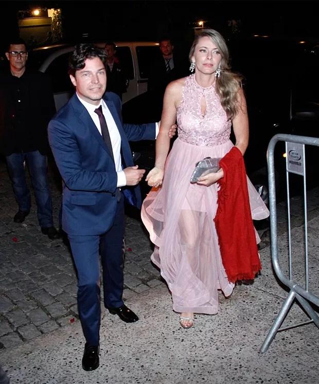 Casal Erik Marmo e Larissa Burnier (Foto: Marcos Ferreira/ BrazilNews)