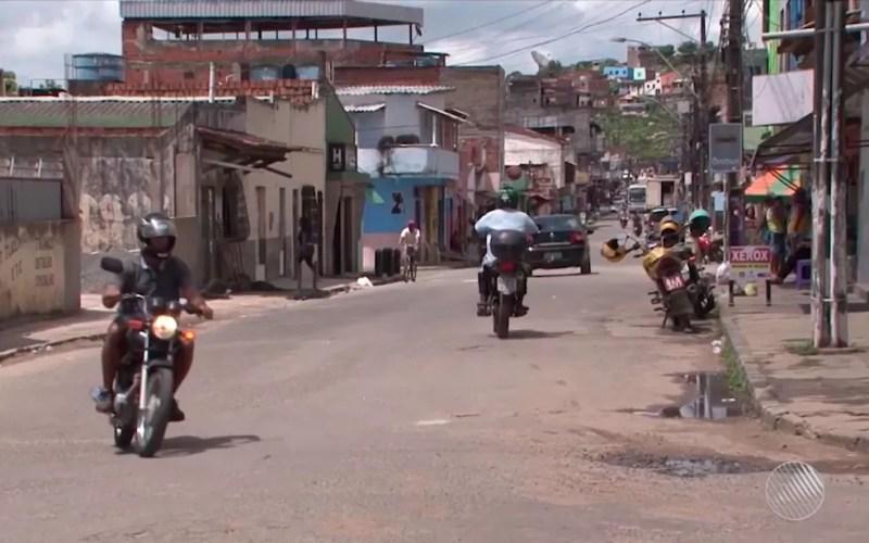Treinador foi morto no cruzamento entre duas ruas de Itabuna, no sul da Bahia (Foto: Reprodução/TV Santa Cruz)
