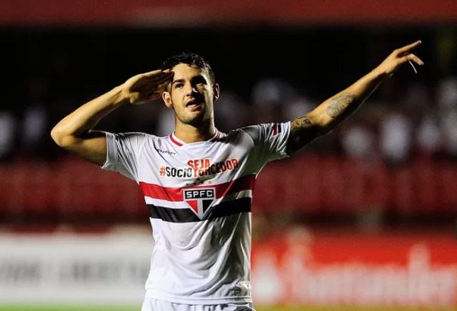 Pato, gol São Paulo x Danubio (Foto: Marcos Ribolli)