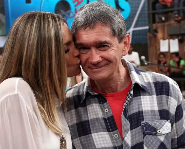 Serginho Groisman entrevista Flavia Alessandra no Altas Horas (Foto: TV Globo/Altas Horas)