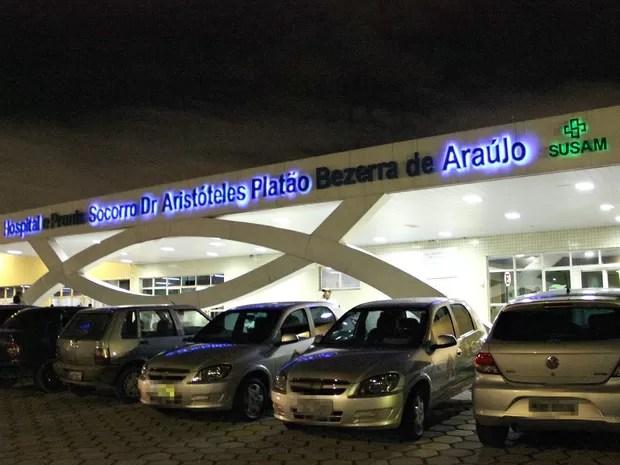 Vítimas da explosão foram encaminhadas ao Hospital e Pronto-Socorro Platão Araújo (Foto: Indiara Bessa/G1 AM)