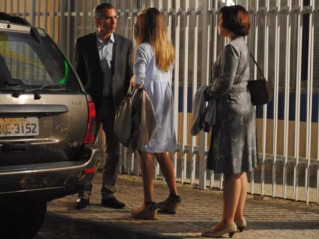 O pai de Fatinha tem um ataque ao descobrir que filha é periguete  (Foto: Malhação / Tv Globo)