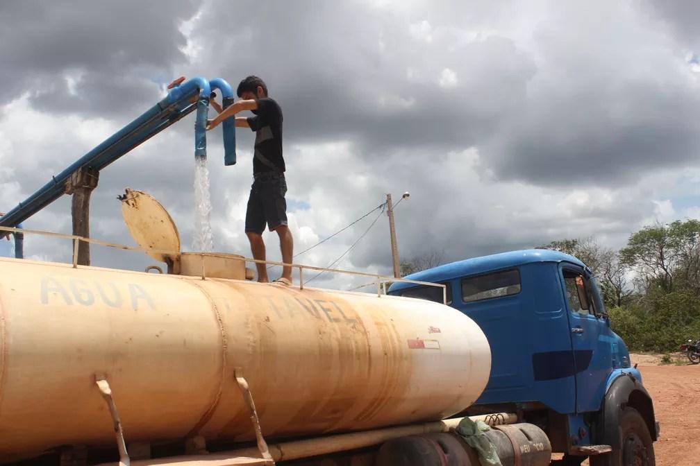 Sertanejos lucram com poços particulares no semiárido do Piauí (Foto: Catarina Costa/G1 PI)