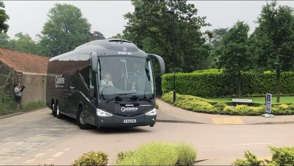 whatsapp image 2018 05 28 at 05.58.05 - Seleção desembarca em Londres e treina à tarde no Centro de Treinamento do Tottenham