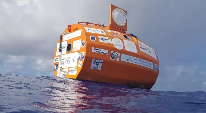 Imagem da embarcação em forma de barril — Foto: Jean-Jacques Savin / Facebook
