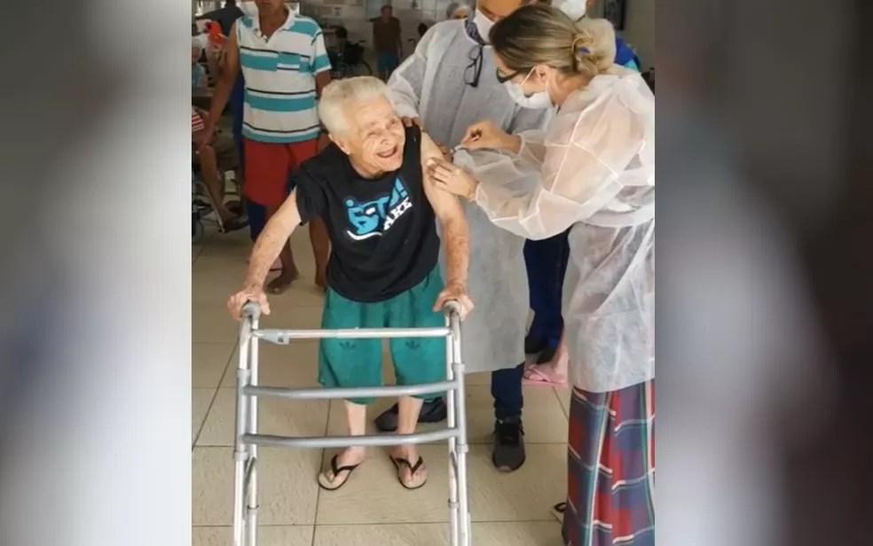 Prefeitura de Goiânia começa a vacinar grupo prioritário, Goiás — Foto: Divulgação/Prefeitura de Goiânia