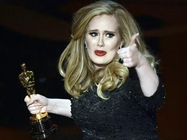 Adele vence o Oscar de Canção Original por 'Skyfall' (Foto:  Kevin Winter/Getty Images/AFP)