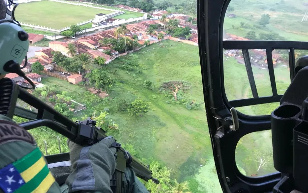 Grupamento Tático Aéreo também está dando auxílio à operação (Foto: SSP/Divulgação)