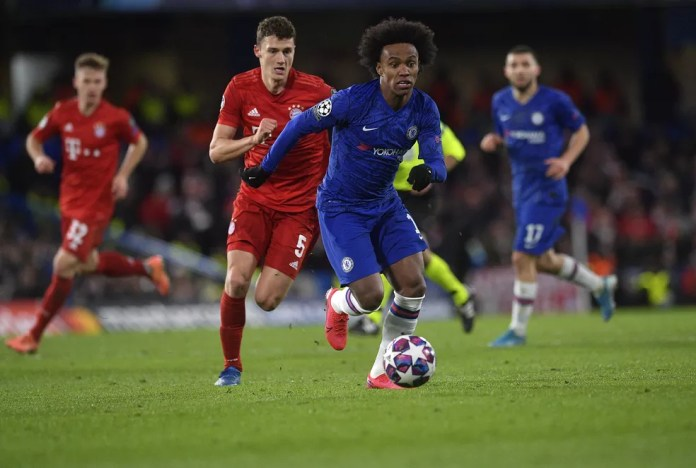 Willian came on 15 minutes into the second half against Bayern - Photo: Neil Hall / EFE