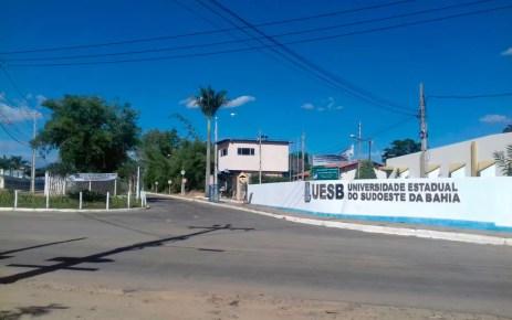 Sete estudantes da Uesb foram expulsos por fraude em cotas quilombolas (Foto: Carol Pimenta/TV Sudoeste)