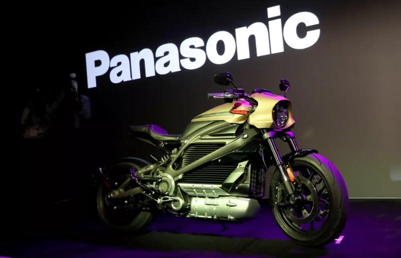 Primeira moto elétrica da Harley-Davidson, a LiveWire — Foto: Justin Sullivan/Getty Images/AFP