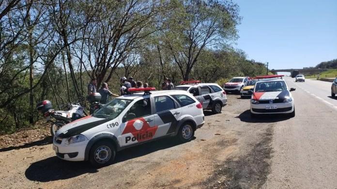 Perseguição em duas rodovias mobilizou viaturas e helicóptero da PM em Capivari (Foto: Tonny Machado/Raízes FM)