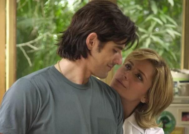 Reynaldo Gianecchini é Paco e Giovanna Antonelli é Bárbara em A Cor do Pecado (Foto: Renato Rocha Miranda / TV Globo)