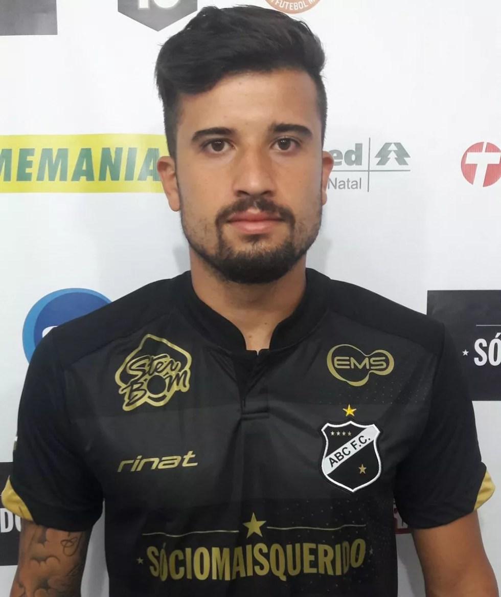 Victor Sapo, novo atacante do Itabaiana (Foto: Divulgação/ABC)