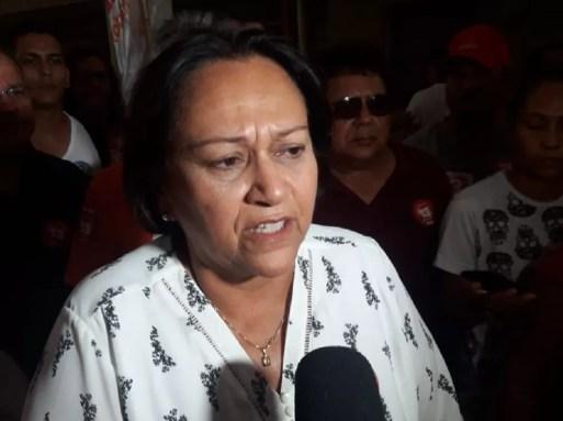Fátima Bezerra diz que tomará medidas para conseguir pagar os salários dos servidores a partir de 2019 — Foto: Heloisa Guimarães/Inter TV Cabugi