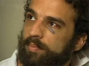 Marcelo Camelo em reportagem do 'Fantástico' em 2004 sobre briga com Chorão (Foto: Reprodução / TV Globo)