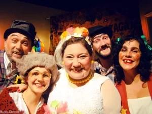 Grupo Teatro Circense Andança nos arraiás da Tribo de Gonzaga em Petrópolis (Foto: Divulgação/Mariana Kreischer)