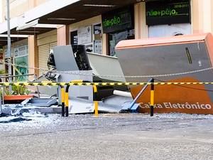 Caixa eletrônico explodido no Imbuí, em Salvador, Bahia (Foto: Rafael Pereira/ Arquivo Pessoal)