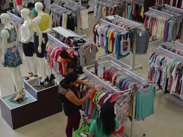 Em Vilhena, lojas afirmam que contratarão menos do que em 2014 (Foto: Dennis Weber/ G1)