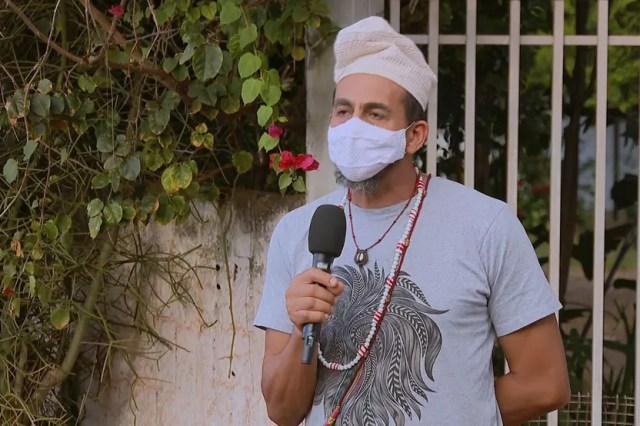O líder religioso Tata Ngunzetala — Foto: TV Globo/Reprodução