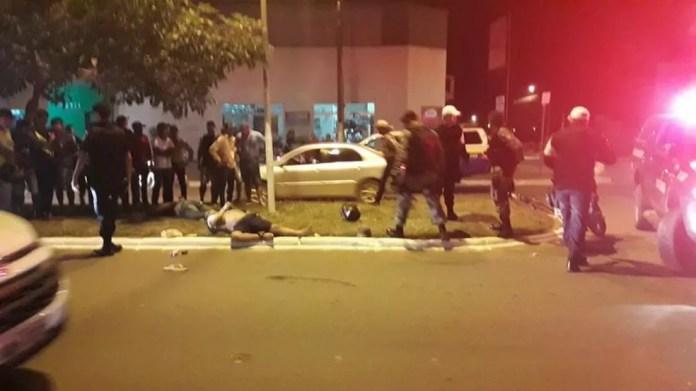 Pedestre é atingido por bala perdida da PM durante perseguição a suspeitos em RO (Foto: Jaru Online/Reprodução)