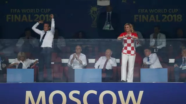 Emmanuel Macron e Kolinda Grabar-Kitarovic na decisão