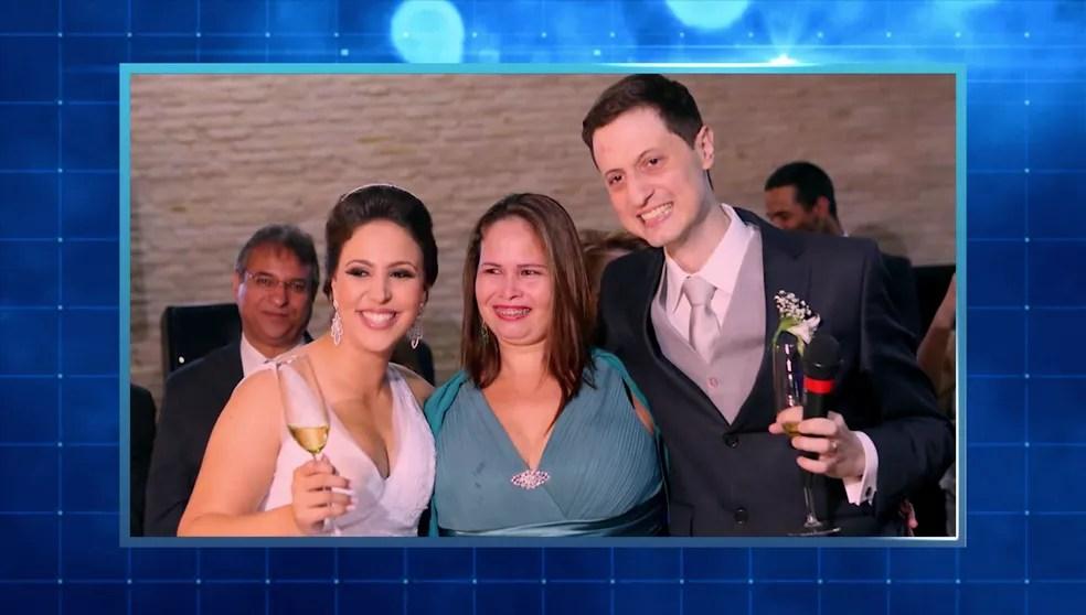 Elza participou do casamento de Gabriel e Ana Gabriela e é considerada parte da família — Foto: TV Globo