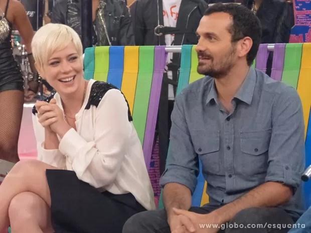 Leandra Leal ao lado de Alê Youssef (Foto: Esquenta/TV Globo)