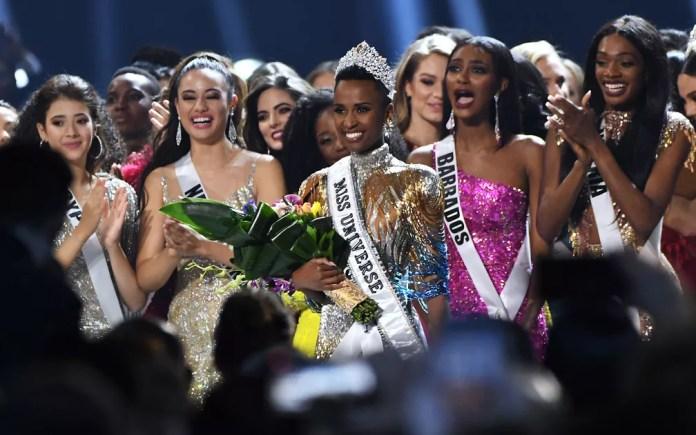 Miss Universo 2019 coroa sul-africana Zozibini Tunzi — Foto: GETTY IMAGES / AFP Photo