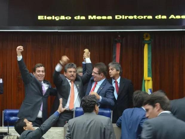 Deputado estadual Adriano Galdino (PSB) é eleito presidente da ALPB para o biênio 2015/2016 (Foto: Diogo Almeida / G1)