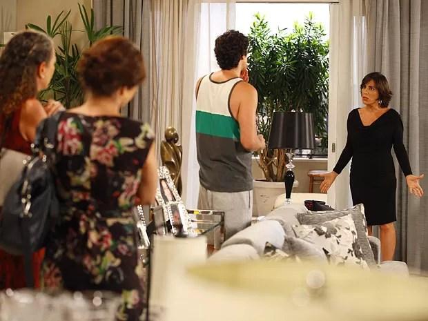 Nando garante que não rolou nada com Ju (Foto: Guerra dos Sexos / TV Globo)