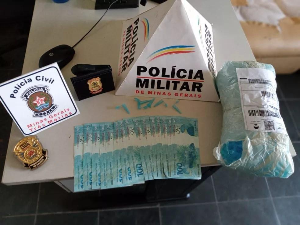 Dinheiro e pinos apreendidos pela PF — Foto: Polícia Federal / Divulgação