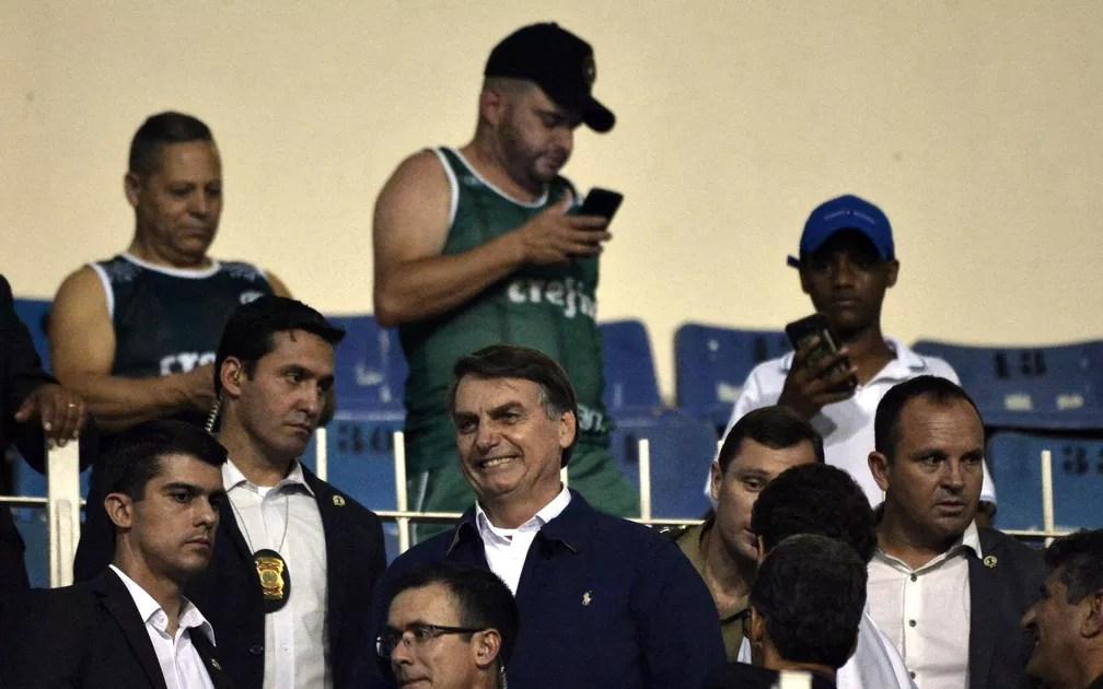 Jair Bolsonaro no jogo do Palmeiras contra o Botafogo — Foto: Marcos Ribolli