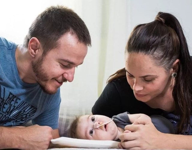 O bebê Raul precisa de um medicamento de R$ 11 milhões em Santa Lúcia — Foto: Reprodução/Instagram